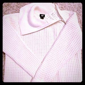 H & M white sweater